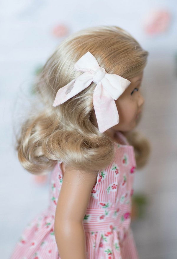 Opal doll bow in light pink