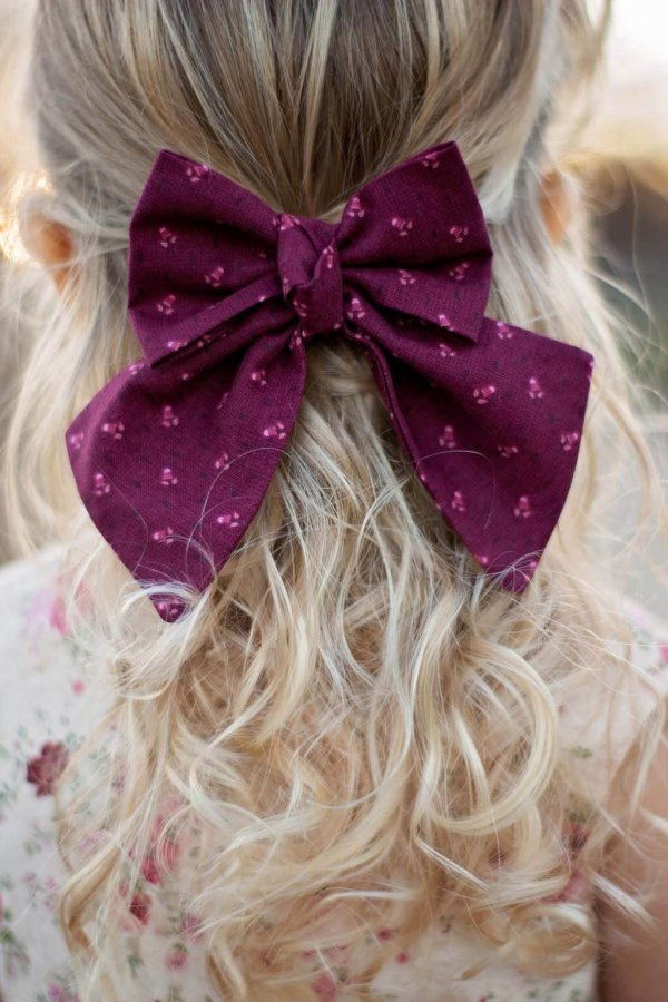 Opal girls hair bow burgundy calico with center twist