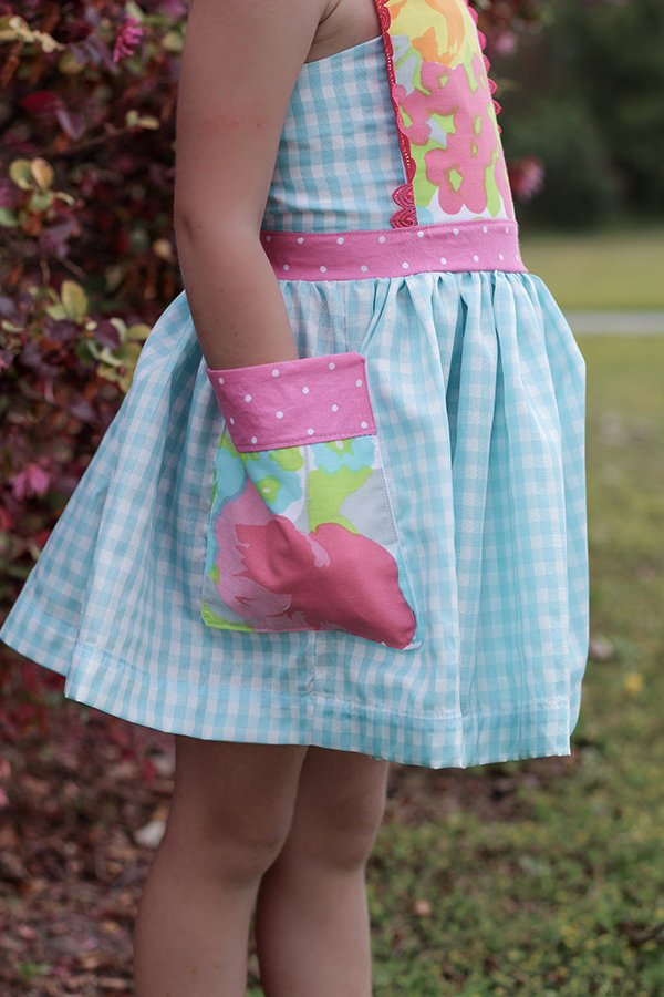 gingham girls dress patterned pocket