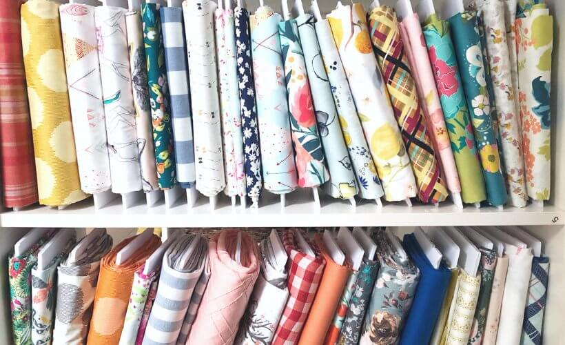 use white foam boards to organize your fabrics