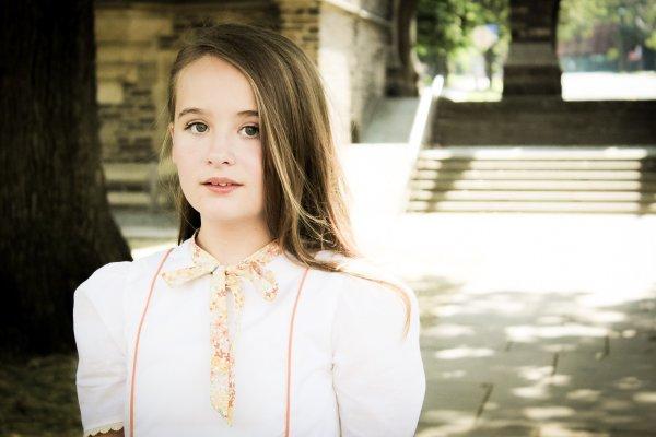 Falleyn tween white short sleeve dress
