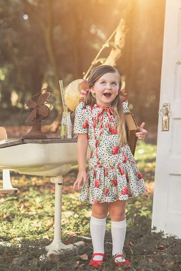Falleyn vintage girls dress
